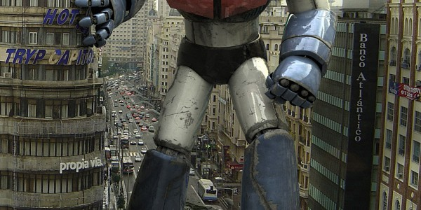 Huge robot smashing a city