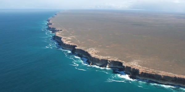 Nullarbor plain and bunda cliffs